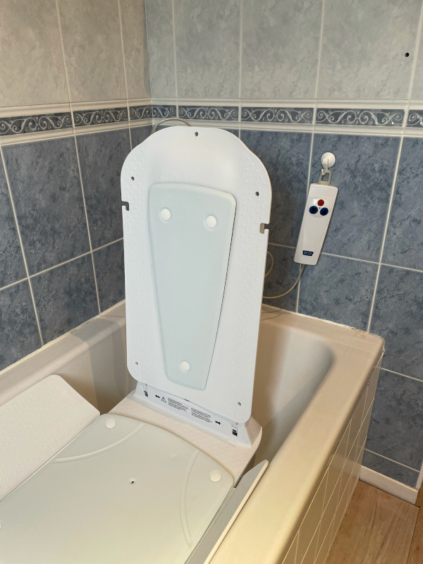 Kanjo Eco Bath Lift White Covers